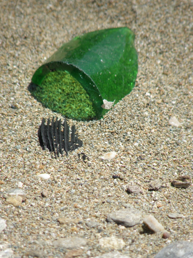 urbantraveltales beach in Kea,'L'amour fou' Andre Breton