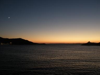 urbantraveltales, lighthouse, Greek port Kea/Tzia