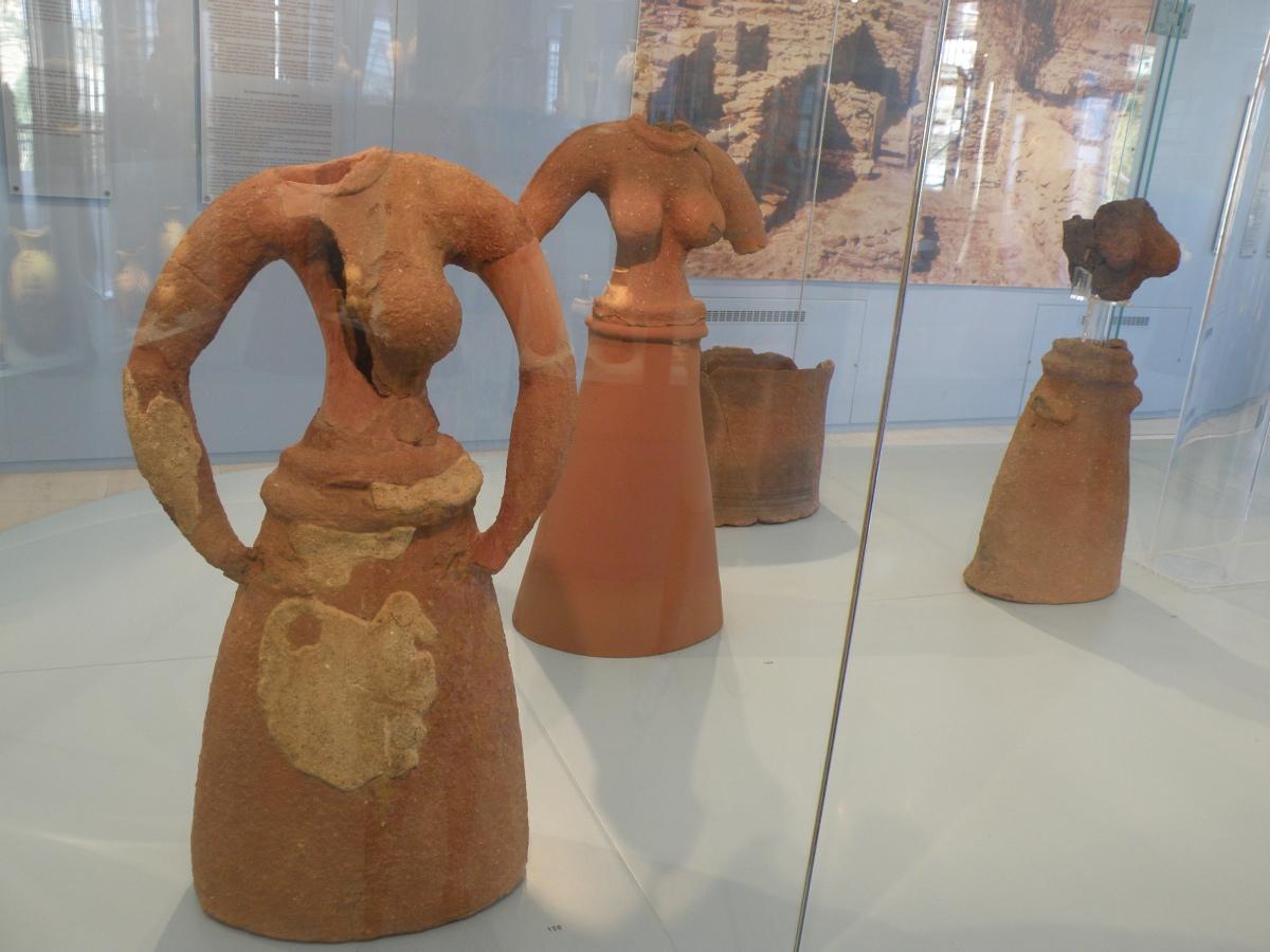 The Daughters of Kea and Ayia Irini/ Οι Κόρες της Κέας και η Αγία Ειρήνη