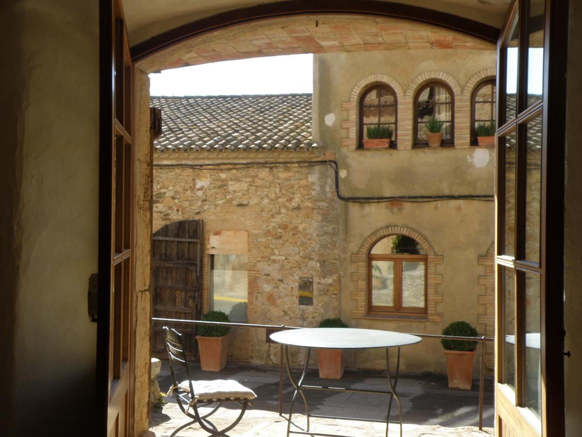 My Hotel, My Castle in Catalonia /  Mi Hotel, Mi Castillo en Cataluña