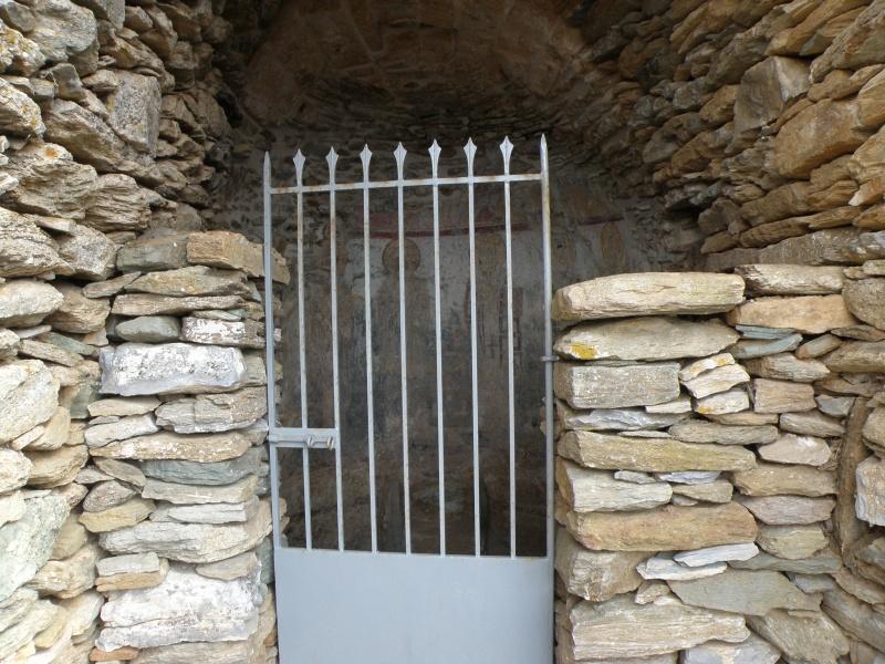 urban travel tales,photography Greece Cyclades Byzantine church
