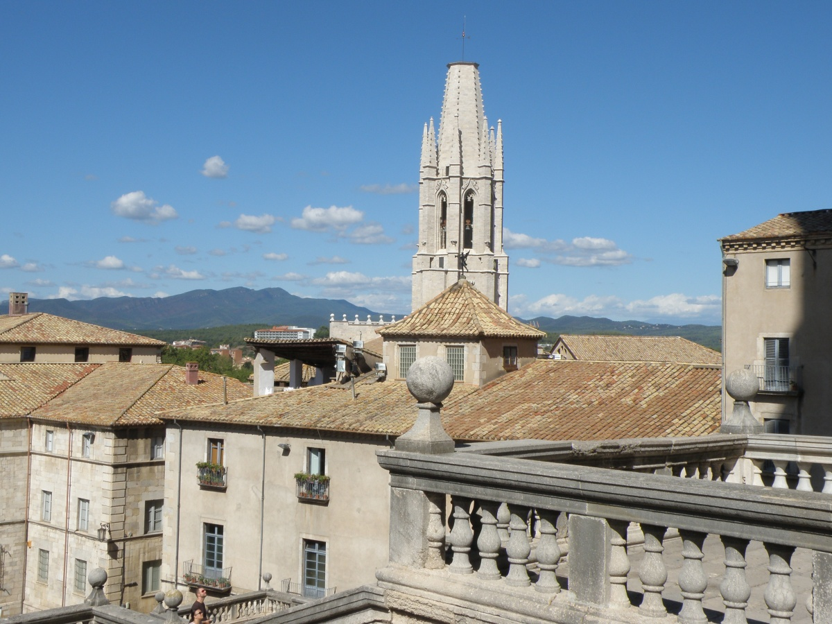 Girona, the gestures of a city